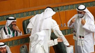 الكويت بين صداع الديمقراطية وصدوعها