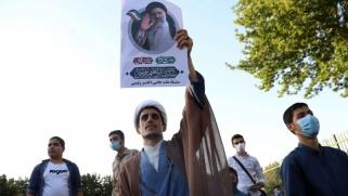 فوز رئيسي برئاسة إيران يعزز فرصه في خلافة خامنئي