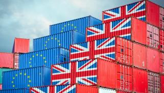 بايدن تدخل لمنعها.. بوادر حرب تجارية بين بريطانيا والاتحاد الأوروبي