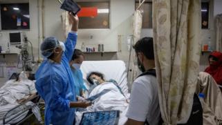 كورونا.. ارتفاع الإصابات في عدة دول آسيوية والخوف يعرقل جهود مكافحة الفيروس بالهند