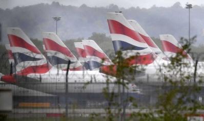 شركات الطيران في بريطانيا تتحدى تحذيرات الإغلاق