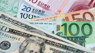 الدولار قرب قاع شهر ويتجه صوب أسوأ أداء أسبوعي منذ 3 أشهر