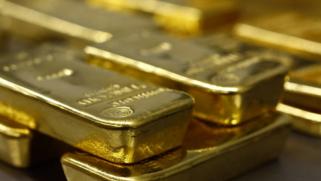 بالتعاون مع شركة كندية.. مصر توقع 4 عقود للبحث عن الذهب في الصحراء الشرقية