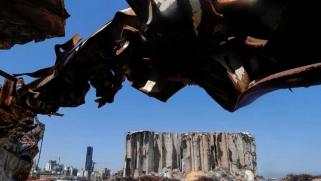 """حملة """"نواب النيترات"""" في لبنان لتغطية حقيقة من فجّر مرفأ بيروت"""