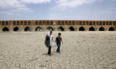 إيران تواجه إفلاسا مائيا يكشف أخطاء سياساتها الإروائية والخدمية