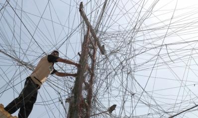قطاع الكهرباء في العراق وليبيا ولبنان فساد يتدثّر بالسياسة