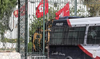 حذرت من تجميع السلطات بيد الرئيس.. 21 منظمة تونسية تطالب سعيد بحوار وطني وتحديد مدة التدابير الاستثنائية