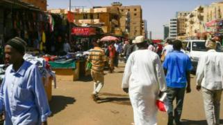 تراجع الإيرادات يدفع السودان إلى إلغاء إعفاءات جمركية