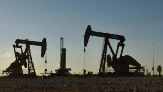 صمدت خلال جائحة كورونا.. هل صناعة النفط الأميركية أكبر من الفشل؟