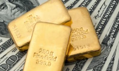 الذهب فوق 1800 دولار بفعل هبوط الدولار والطلب على الملاذ الآمن