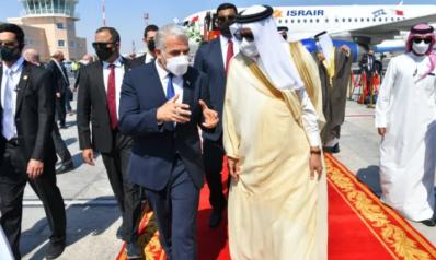 على وقع مظاهرات مناهضة للتطبيع بالبحرين.. وزير خارجية إسرائيل في المنامة لفتح سفارة