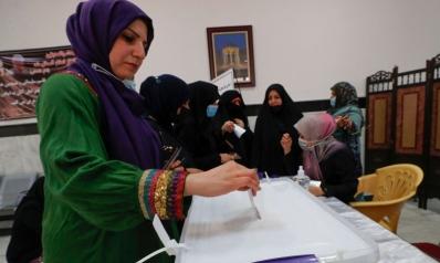 العراق يحتجز ضباطا شاركوا في الحملات الدعائية للانتخابات