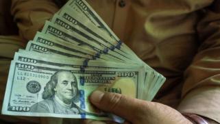المال الأميركي غذّى فساد الحكومة الأفغانية وعجل بانتصار طالبان