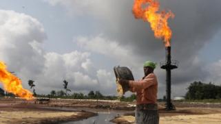 الحد من استثمارات الوقود الأحفوري قد يعمّق مشاكل الطاقة في أفريقيا
