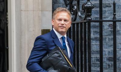 كبار مسؤولي الشركات يحذرون.. وزير النقل البريطاني: لا يوجد نقص بالوقود