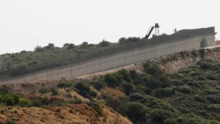 لبنان.. تحركات رسمية عقب توقيع إسرائيل عقدا للتنقيب عن النفط بالمنطقة المتنازع عليها